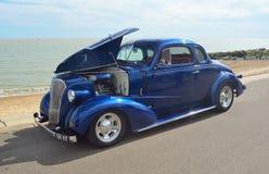 Coche azul clásico Imagen de archivo libre de regalías