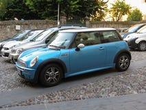 Coche azul claro de Mini Cooper Fotografía de archivo