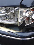 Coche azul dañado Foto de archivo libre de regalías