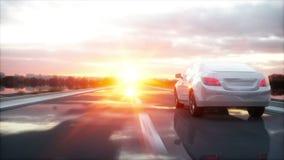 Coche blanco de lujo en la carretera, camino Conducción muy rápida Puesta del sol de Wonderfull Concepto del viaje y de la motiva