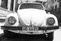 Coche blanco y negro del vintage Fotografía de archivo libre de regalías