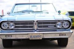 Coche clásico Beaumont convertible azul Chevrolet Foto de archivo
