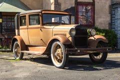 Coche clásico oxidado Imagen de archivo libre de regalías