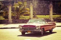 Coche clásico viejo en La Habana, Cuba imagenes de archivo