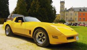 Coche convertible americano clásico del vintage del deporte Imágenes de archivo libres de regalías