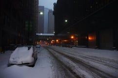 Coche cubierto en nieve Foto de archivo libre de regalías