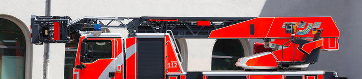 Coche de bomberos de la escalera fotos de archivo