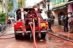 Coche de bomberos de Singapur del servicio de emergencia Imagenes de archivo