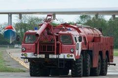 Coche de bomberos del aeródromo, Taganrog Fotos de archivo libres de regalías