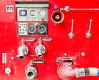 Coche de bomberos en acometida Fotos de archivo libres de regalías