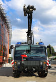Coche de bomberos en acometida Fotografía de archivo libre de regalías