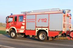 Coche de bomberos en la acción Foto de archivo libre de regalías