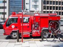 Coche de bomberos en Tokio, Japón fotografía de archivo libre de regalías