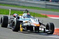 Coche de carreras de la fórmula 3 en pista de raza de Monza Fotos de archivo libres de regalías