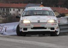 Coche de carreras de Peugeot 106 Fotos de archivo libres de regalías