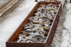 Coche de carril por completo de ruedas de repuesto foto de archivo libre de regalías