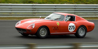 Coche de competición clásico de los deportes de Ferrari Fotografía de archivo