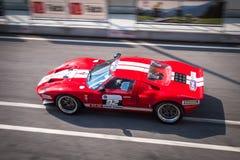 Coche de competición de Ford GT40 Fotos de archivo libres de regalías