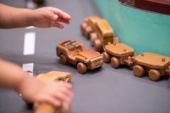 Coche de competición de madera de los juguetes Imagen de archivo libre de regalías