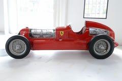 Coche de competición del monoposto de Romeo Bi-Motore de la alfa Fotos de archivo