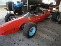 Coche 1964 de competición de Ferrari 158 Grand Prix fotos de archivo