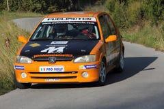 Coche de competición Peugeot 106 Imagen de archivo libre de regalías