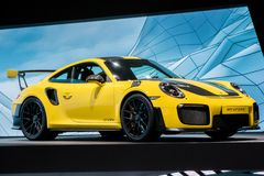 Coche de deportes amarillo de Porsche 911 GT2 RS Fotografía de archivo libre de regalías