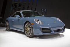 Coche de deportes del cabriolé de Porsche 911 Carrera S imagen de archivo
