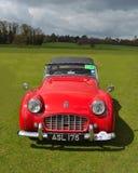 Coche de deportes rojo clásico de Triumph TR3 Fotos de archivo libres de regalías