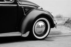 Coche de la obra clásica de Escarabajo Volkswagen Fotos de archivo libres de regalías