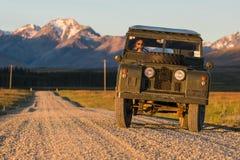 Coche de la obra clásica de Rover Series II de la tierra Foto de archivo
