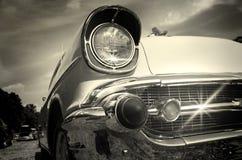 Coche de la vendimia en blanco y negro Fotos de archivo