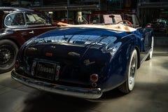 Coche de lujo Alfa Romeo 6C 2500 SS Cabriolet, 1949 imagenes de archivo