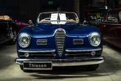 Coche de lujo Alfa Romeo 6C 2500 SS Cabriolet, 1949 foto de archivo libre de regalías