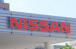 Coche de NISSAN foto de archivo