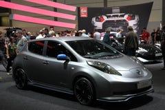 Coche de Nissan Leaf Zero Emission Electric Fotos de archivo