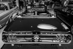 Coche de potro Ford Mustang V8 Cabrio GT, 1967 Fotos de archivo libres de regalías