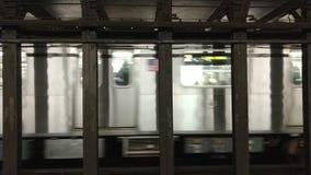 Coche de subterráneo del MTA del subterráneo de New York City almacen de metraje de vídeo