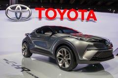 Coche de SUV de la cruce del subcompact de Toyota C-HR imagen de archivo