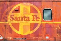 Coche de tren viejo del logotipo de Santa Fe Railroad fotos de archivo libres de regalías