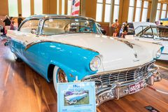 Coche del coche de carreras de 1956 Ford Imagen de archivo libre de regalías