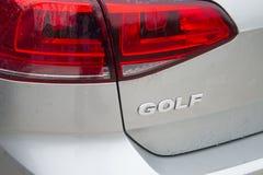 Coche 2015 del golf TDI de Volkswagen afectado por escándalo de las emisiones Imagenes de archivo