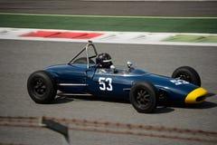 Coche 1963 del joven de la fórmula de Lotus 27 Fotografía de archivo