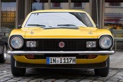 Coche 1974 del oldtimer de Ford Maverick GT en la obra clásica 20 de Fuggerstadt Foto de archivo libre de regalías
