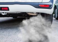 Coche del tubo de escape del humo Fotografía de archivo libre de regalías
