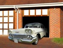 Coche del vintage de Chevrolet en garaje Imagen de archivo libre de regalías