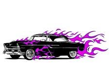 Coche del vintage rodeado por el fuego y las llamas púrpuras ilustración del vector