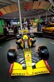 Coche deportivo amarillo Fomula 1 Renault Fotografía de archivo