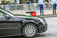 Coche diplomático jordano durante el desfile militar ( Defile) en el día &#x28 de la república; Bastille Day) Campeones Ely Foto de archivo libre de regalías