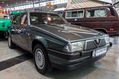 Coche ejecutivo compacto Alfa Romeo 75 Tipo 161, 1986 Foto de archivo